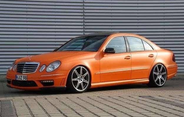 ляпистый оранжевый 211 мерседес.