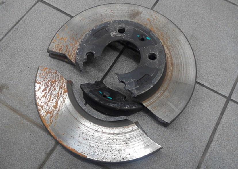 тормозной диск треснул от попадания воды