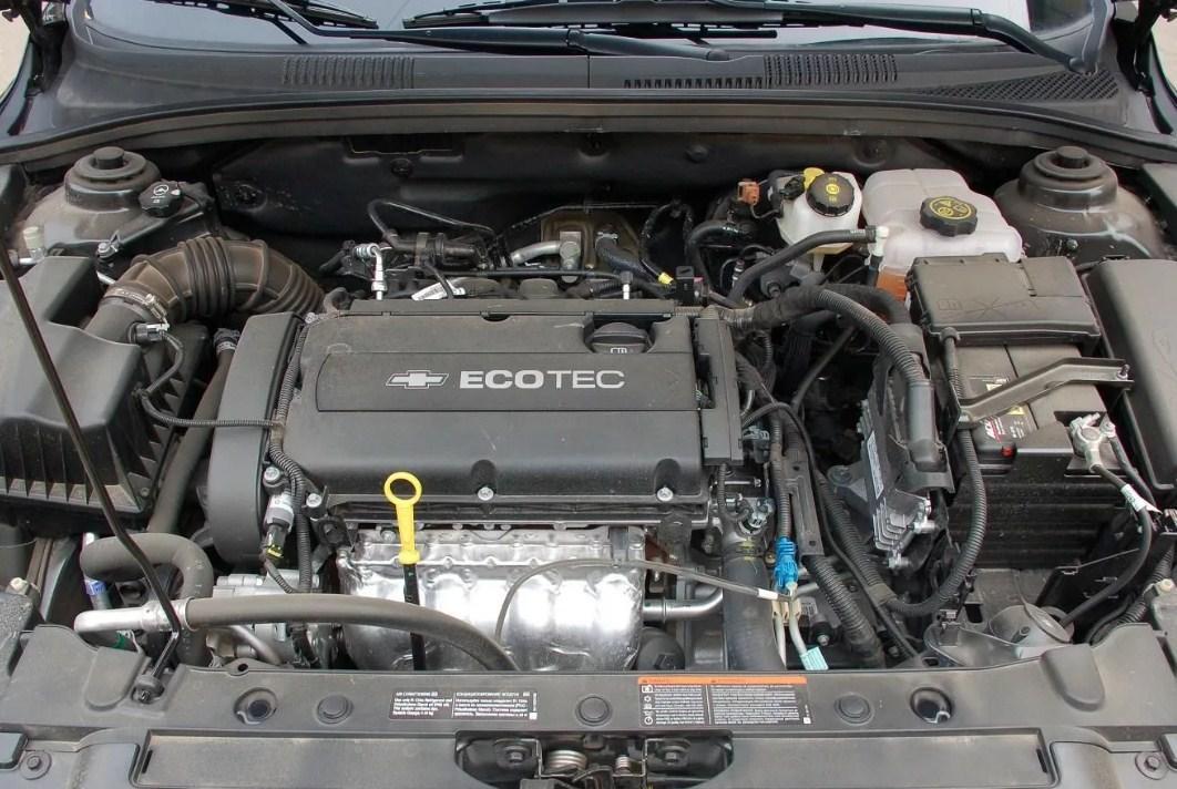 Моторный отсек Шевроле Круз 1.6 (LXT/F16D3)