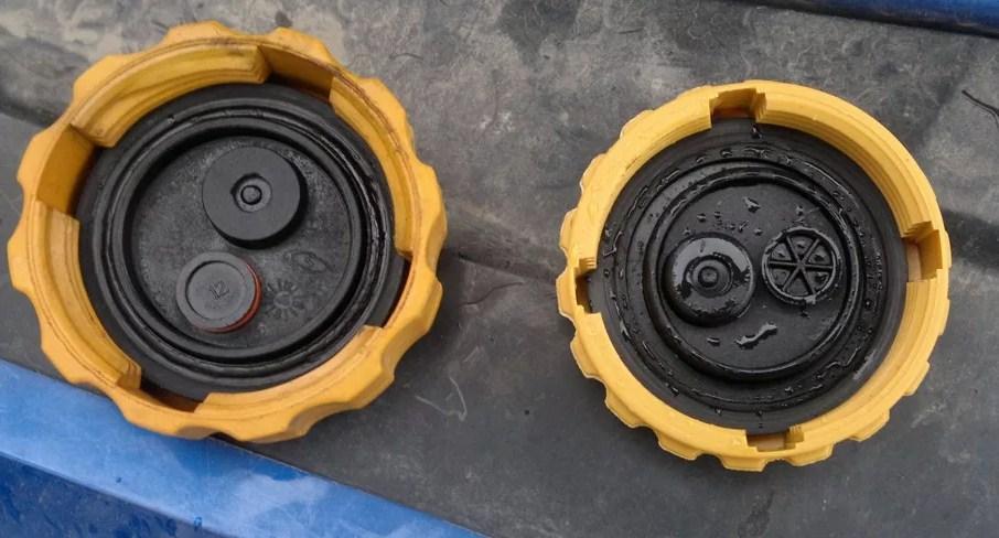 пробка расширительного бачка - возможная причина перегрева двигателя