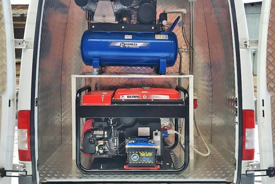 бензиновый генератор штатно установленный в кузов грузовика