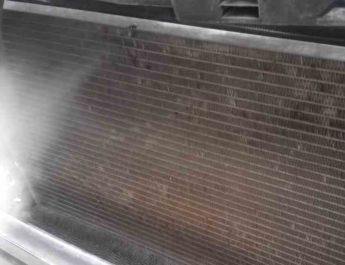 чистка радиатора автомобиля без снятия