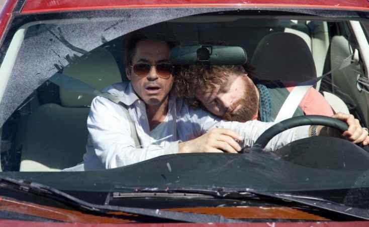 с хорошим собеседником водитель не уснет.....