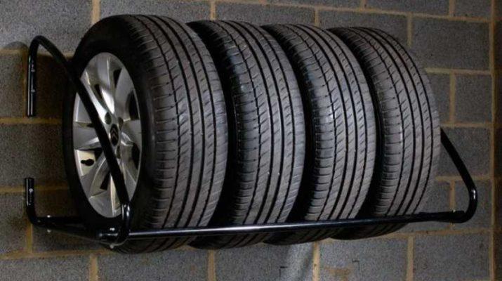 как хранить летние шины зимой? - полка в гараже.