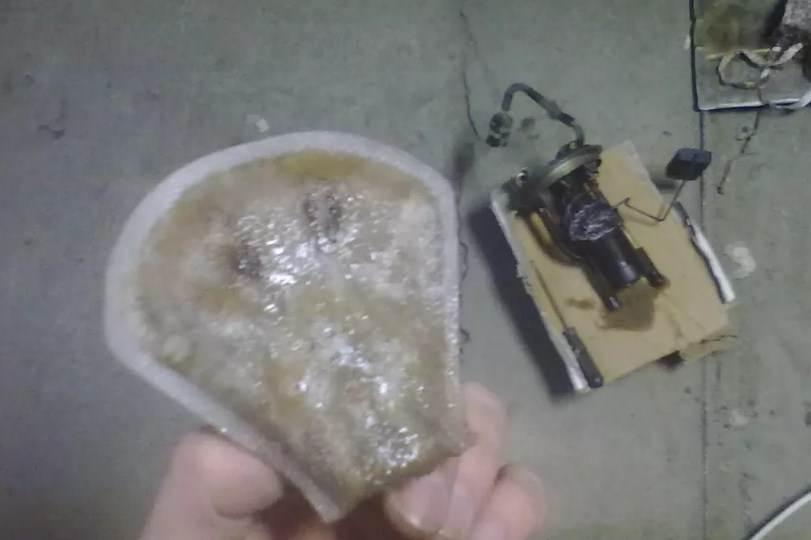лед на сетке бензонасоса